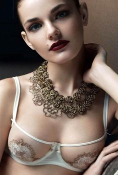 La Perla So beautiful! This bra makes me so happy. I want to find this