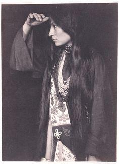 Gertrude Käsebier - Zitkala-Sa, Sioux 1898
