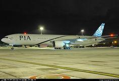 The gorgeous Pakistan International Boeing 777-300 ER