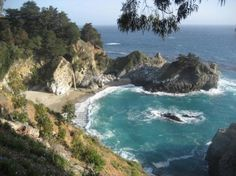 Looking to Visit McWay Falls in Big Sur? Find more information about this attraction and other nearby Big Sur family attractions and hotels on Family Vacation Critic. Big Sur California, California Coast, California Travel, California Living, Central California, State Parks, Big Sur State Park, Best Places To Camp, Places To See