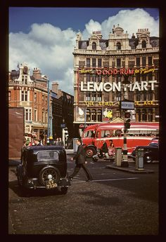Vintage London, Old London, London Bus, London Life, West London, Rio Tamesis, Good Rum, Swinging London, London History