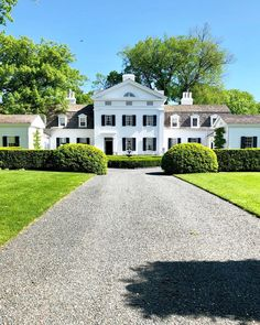 David Adler creeping at all times 🌳🔳 👀 Greek Revival Home, Westhampton Beach, Green Shutters, Transitional Home Decor, Old Farm Houses, White Houses, Architecture Details, My Dream Home, Curb Appeal