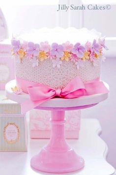Sweetest Delicate Lace & Flower Single Tier Cake
