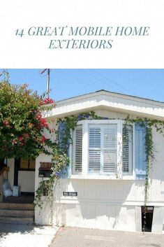 Get 14 mobile home exterior makeover ideas to give your home a fresh new look! Plus get lots of visual inspiration with 30 photos of mobile home exteriors. Mobile Home Exteriors, Mobile Home Renovations, Mobile Home Makeovers, Remodeling Mobile Homes, Home Remodeling, House Renovations, Home Exterior Makeover, Exterior Remodel, Single Wide Remodel