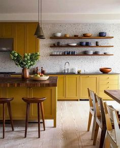 Kitchen Wallpaper Ideas (Country and Modern Kitchen Wallpaper) - How to decorate the kitchen wall? One of the beneficial we can do is applying kitchen wallpaper. With this article will give some kitchen wallpaper ideas. Home Decor Kitchen, Kitchen And Bath, Kitchen Interior, New Kitchen, Home Kitchens, Country Kitchen, Kitchen Modern, Kitchen Paint, Kitchen Dining Rooms
