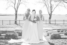 Bride and her bridesmaids  #augustjarpemo