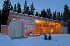 4-season-timber-cottage lakeside lot in Finland/ Designed by Häkli Architects,
