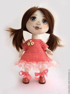 Купить Текстильная кукла из ткани с расписанным лицом Принцесса - коралловый, текстильная кукла, интерьерная кукла