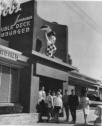 The Bob's Big Boy Hamburger restaurant in Eagle Rock. I hated hamburgers when I was little so I always gave my free birthday burger token to my dad . and I would order a hot dog! Must have been crazy! Vintage Photographs, Vintage Photos, Vintage Stuff, Vintage Signs, Big Boy Restaurants, Unique Restaurants, Cities, Vintage Restaurant, Vintage Diner