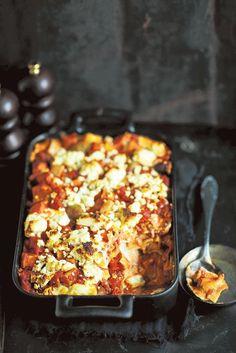 Kreikkalainen kurpitsalasagne - Valkokastike korvataan rennosti ranskankermalla ja jauheliha uunissa paahdetuilla kurpitsakuutioilla.