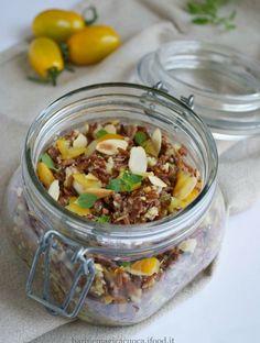 riso rosso con pomodorini gialli e mandorle