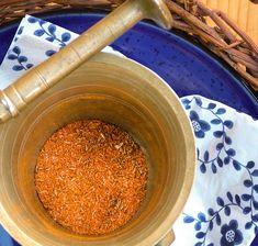 Gyros fűszerkeverék   Kertkonyha - Vegetáriánus receptek képekkel Mortar And Pestle, Food 52, Superfood, Tofu, Blog