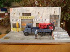 LIVRAISON DU MAC CORMOICK Garages, Toy Garage, Diecast Model Cars, Kit Cars, Miniature Dolls, Model Trains, Little People, Coca Cola, Techno