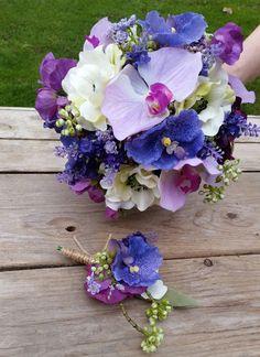Bruidsboeket en corsage gemaakt met fleurige kunstbloemen. daar word je toch vrolijk van! www.decoratietakken.nl