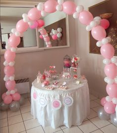 Le baptême traditionnel de Taïssa Gabriela en rose et blanc Minnie Mouse Decorations, Balloon Decorations, Babyshower, Baby Girl First Birthday, Floral Theme, Balloon Arch, Holidays And Events, Baby Boy Shower, Communion