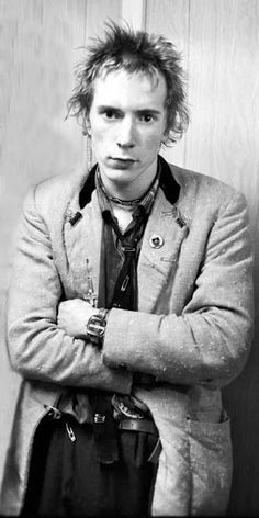 Doesn't care, rebellious, looks quite violent Johnny Rotten, Here's Johnny, 70s Punk, Punk Goth, Rock & Pop, Rock And Roll, The New Wave, One Wave, Anarcho Punk