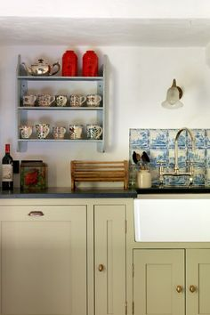 1000 images about delft tile kitchens on pinterest for Country cottage kitchen ideas
