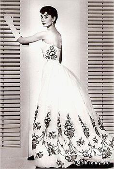 classic.. and the inspiration for my wedding dress!