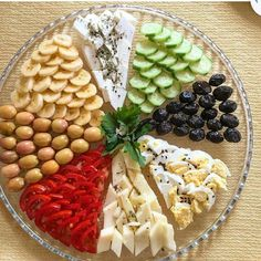 Food Decoration Appetizers For Party Turkish Recipes Ethnic Recipes Bread Recipes Cooking Recipes Appetizer Sandwiches Party Platters Food Displays Healthy Appetizers, Appetizers For Party, Healthy Food, Fancy Food Presentation, Presentation Layout, Party Food Platters, Michelin Star Food, Appetizer Sandwiches, Modern Food