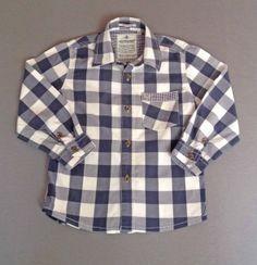 Camisa de cuadros azules y blancos