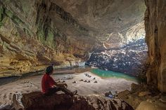 http://photos.msn.com/slideshow/weather/inside-the-worlds-biggest-cave/23vjjng3