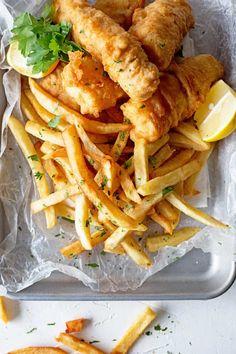 Fish and Chips Batter - Best Fish and Chips in London - Atıştırmalıklar - Las recetas más prácticas y fáciles London Fish And Chips, British Fish And Chips, Best Fish And Chips, Fish Dishes, Seafood Dishes, Seafood Recipes, Cooking Recipes, Seafood Platter, Fish And Chips Rezept