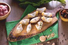 I casoncelli sono una pasta fresca ripiena lombarda, ne esistono versioni bresciane o bergamasche a seconda di forma, ripieno e condimento!