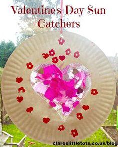 Valentine& Day sun catchers, cute valentine& day craft idea for kids. Valentine Day Week, Valentine Theme, Homemade Valentines, Valentines Day Hearts, Valentine Day Crafts, Be My Valentine, Valentine Ideas, Easy Toddler Crafts, Valentine's Day Crafts For Kids