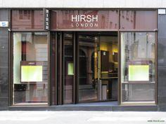 Diego Bortolato Architetto designed the 'Hirsh Jewelry Boutique' in London, United Kingdom. http://en.51arch.com/2013/12/a3042-hirsh-jewelry-boutique/