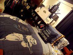 I'm pretty sure I need this Star Wars bedroom more than life itself. -Hannah