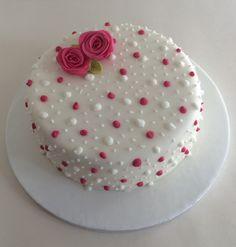 Cake Decorating Piping, Cake Decorating Designs, Creative Cake Decorating, Cake Decorating Videos, Birthday Cake Decorating, Creative Cakes, Fall Birthday Cakes, Beautiful Birthday Cakes, Deco Cupcake