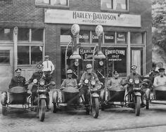 Harley Davidson 1920's Dealership Pa - Police On Bikes 8x10 Reprint Of Old Photo