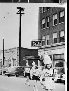 Griffin High School Band Marches Through Downtown Area Hotel Spalding At Right Vanishing Georgia Pinterest Sch