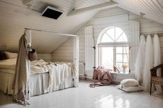 A Dreamy 17th Century Swedish Summer Cottage With a Focus on 'The More the Merrier' Swedish Interiors, Have A Lovely Weekend, Cottage In The Woods, Scandinavian Style, Nordic Style, Scandinavian Interior, Attic Rooms, Tiny Spaces, Cozy Cabin