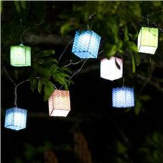 Light up your night and make every evening festive with the Jetson Solar String Lights