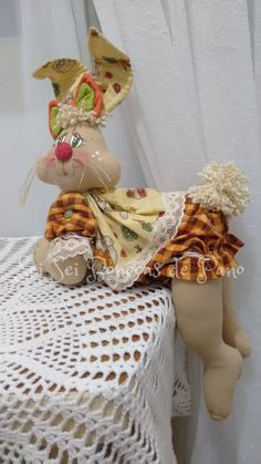 Animal Sewing Patterns, Easy Sewing Patterns, Fabric Crafts, Sewing Crafts, Sewing Projects, Bunny Crafts, Easter Crafts, Crochet Teddy Bear Pattern, Homemade Dolls