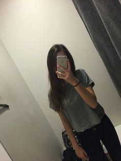 Fake photo Teenage Girl Photography, Tumblr Photography, Girl Photography Poses, Girl Photo Shoots, Girl Photo Poses, Cool Girl Pictures, Girl Photos, Selfi Tumblr, Beautiful Girl Makeup