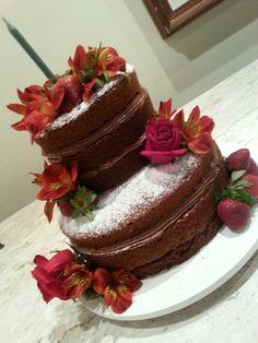 Naked cake chocolate & strawberries&flowers