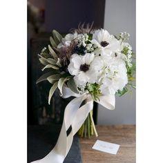 いいね!123件、コメント1件 ― mille fluresさん(@le_magnolia.jp)のInstagramアカウント: 「anemone bouquet Anemone & orive bridal bouquet🕊 * 凛とした黒芯のアネモネ。 * 風を意味する語源をもつお花だけに 作り込み過ぎないコーディネートに…」 Golf Wedding, Our Wedding Day, Dream Wedding, Wedding Centerpieces, Wedding Bouquets, Wedding Flowers, January Wedding, Flower Aesthetic, Outdoor Christmas Decorations