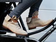 In Love With Bottines : Shoemocracy – In Shoes We Trust Sock Shoes, Shoe Boots, Shoe Bag, Only Fashion, Love Fashion, Fashion Fall, Style Simple, My Style, Boots 2016