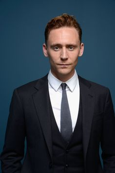"""Thomas William """"Tom"""" Hiddleston (Wimbledon, Londres, Inglaterra, 9 de febrero de 1981) es un actor británico. Es conocido principalmente ..."""