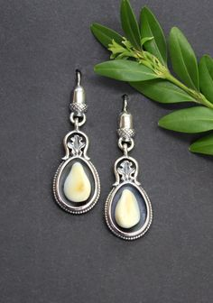 Pearl Earrings, Drop Earrings, Modern, Pearls, Jewelry, Fashion, Accessories, Hunting, Dirndl