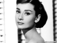 "Audrey Hepburn | ""For beautiful eyes, look for the good in others; for beautiful lips, speak only words of kindness; and for poise, walk with the knowledge that you are never alone."""