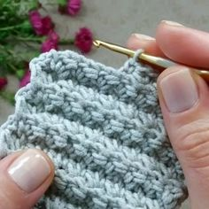 "146 curtidas, 0 comentários - crochelinhasagulhas (@janelicebastiani) no Instagram: ""@mk.ot.oli"" Crochet Stitches Patterns, Knitting Stitches, Knitting Patterns, Puff Stitch Crochet, Tunisian Crochet, Crochet Crafts, Crochet Yarn, Beginning Crochet, Crochet Afgans"