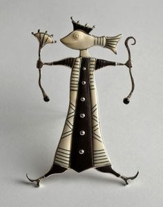 Brooch by Latvian contemporary jewellery artist Guntis Lauders.