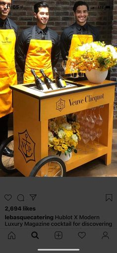 Veuve Cliquot, Diy Furniture Renovation, American Metalcraft, Beverage Tub, Wine Subscription, Brunch Party, Glass Holders, Galvanized Metal, Party Guests