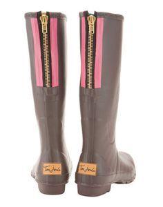 Pink zip wellies.