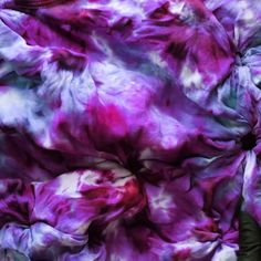 Worth It Events: Tie Dye Your Summer!Worth It Events: Tie Dye Your Summer!Tie-dye party kitAlien Glow Tie-Dye TechniqueDIY Kaleidoscope design We have just the fashion & design tips and tricks, that we just get How To Tie Dye, How To Dye Fabric, Diy Tie Dye Kit, Batik Mode, Diy Tie Dye Techniques, Halloween Girlande, Diy Kaleidoscope, Ty Dye, Crochet Pattern Free