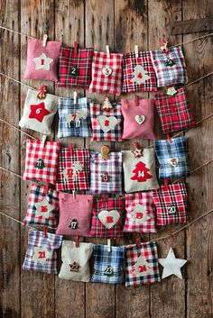 35 DIY Advent Calendar Ideas Anyone Can Make. These easy ideas are so clever, definitely pinning! DIY your very own homemade Christmas advent calendar and add some more festive decorations to your home! Homemade Advent Calendars, Advent Calendars For Kids, Christmas Projects, Kids Christmas, Holiday Crafts, Christmas Glitter, Christmas Tables, Nordic Christmas, Modern Christmas