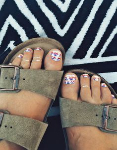 Native Print (ok, kind of pendleton inspired) Toes - accentnails Manicure Y Pedicure, Mani Pedi, Toe Nail Art, Toe Nails, Tattoo Skin, Painted Toes, Nails Only, Nail Art Brushes, Toe Nail Designs